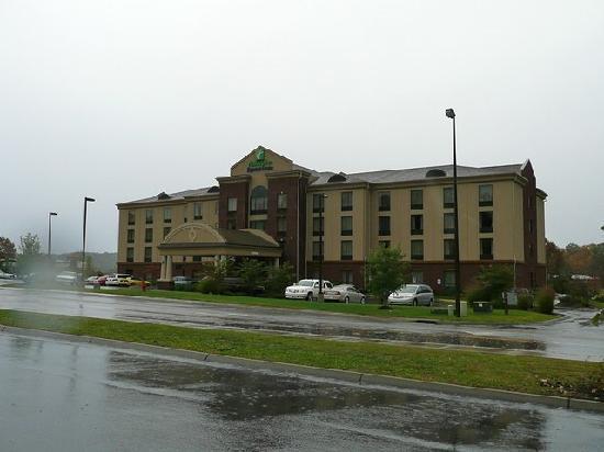 Holiday Inn Express Hotel & Suites Kodak East-Sevierville: Außenansicht