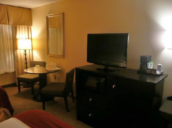 Holiday Inn Express Hotel & Suites Kodak East-Sevierville : Zimmer