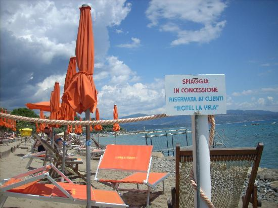 Pioppi, Italia: Private beach