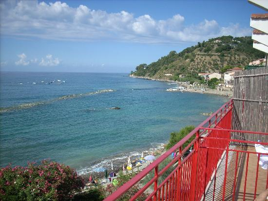 Pioppi, Italia: View from balcony