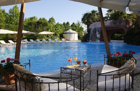 Park Hotel Villa Fiorita: Swimming Pool