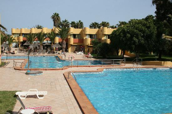 Atlantico Playa Apartments: Pools