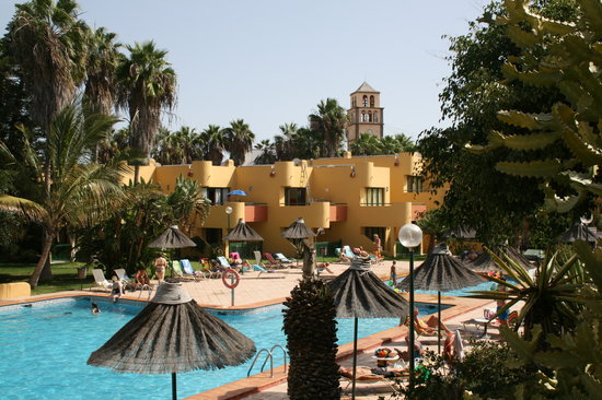 Atlantico Playa Apartments: The turret is part of shopping center Campanario next to the hotel