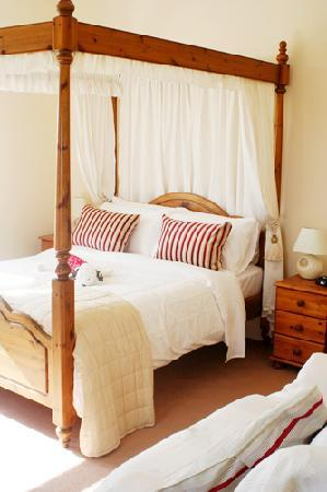 South Buckton B&B: Four-poster bedroom