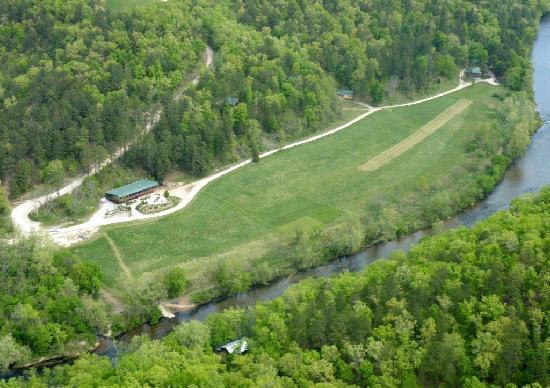 Dora, MO: 350 acre river paradise