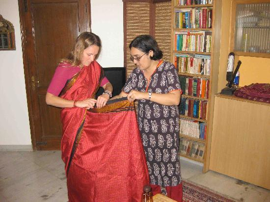 Saubhag Bed and Breakfast: Saree lesson