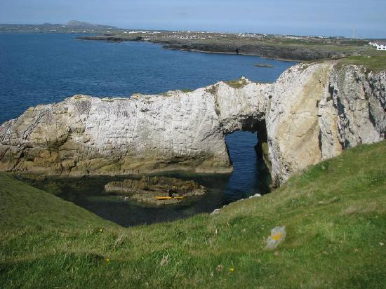 Anglesey Walking Holidays: Bwa Gwyn (white arch) Rhoscolyn, Holy Island
