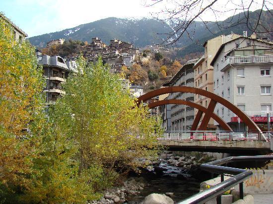 Casa vail andorra la vella fotograf a de andorra la vella parroquia de andorra la vella - Andorra la vella apartamentos ...