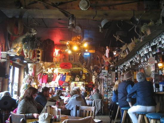 Handlebars Restaurant & Saloon: Interior