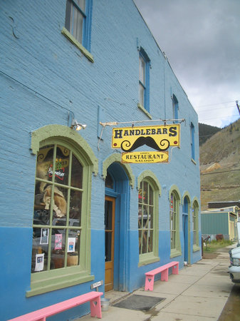 Handlebars Restaurant & Saloon : Exterior