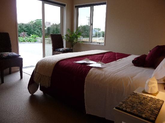 تشارمنج كريك بد آند بركفاست: an example of one of our suites