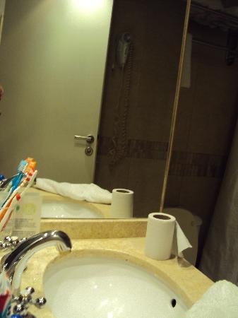 Cordoba 860: baño