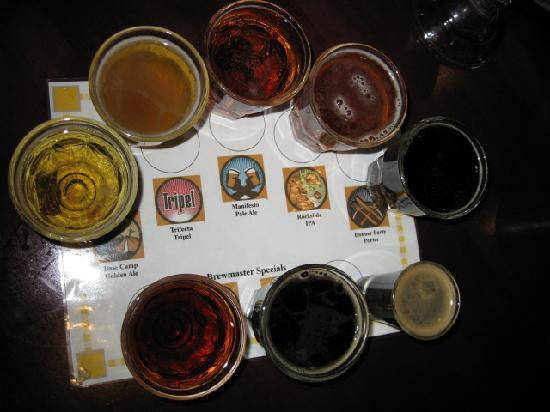 Truckee, Californien: ビールのサンプル