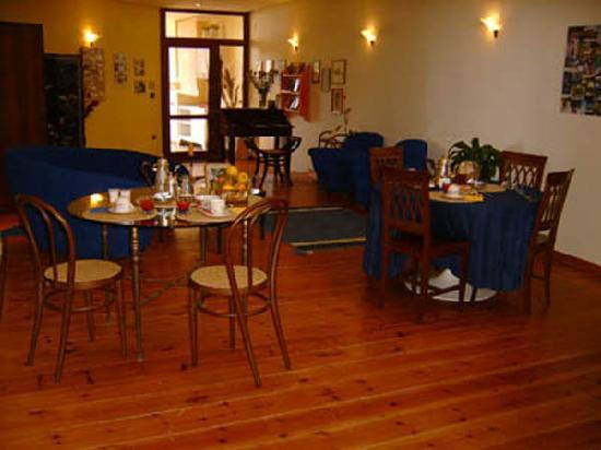 Villa Patrizia B&B: la sala per la colazione