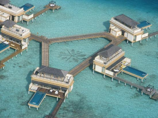 Haa Dhaalu Atoll: Sanctuary suites and Spa room - seen from the air!