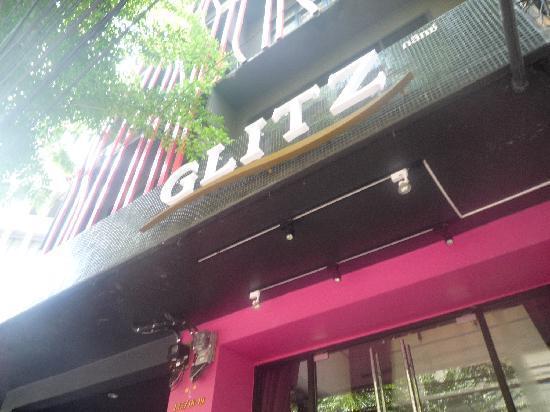 Glitz Bangkok Hotel: 外観