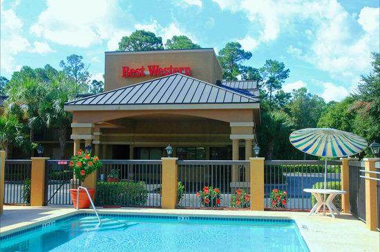 EconoLodge Palm Coast: Convenient location