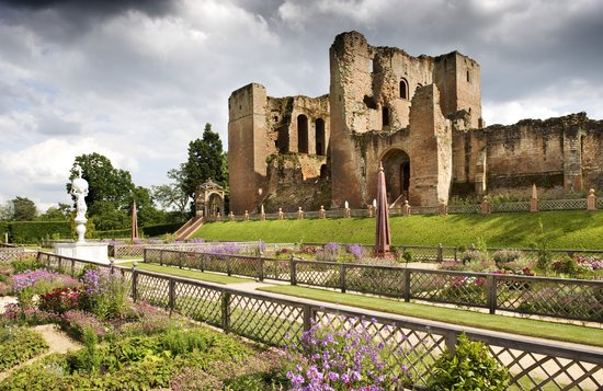 Kenilworth Castle, viewed from the Elizabethan Garden