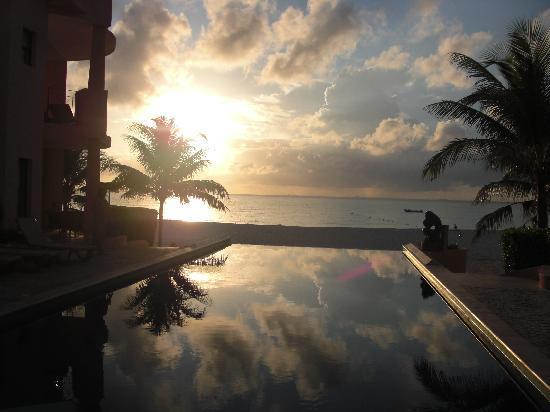 Luna Encantada Vacation Condos: Sunrise at Luna