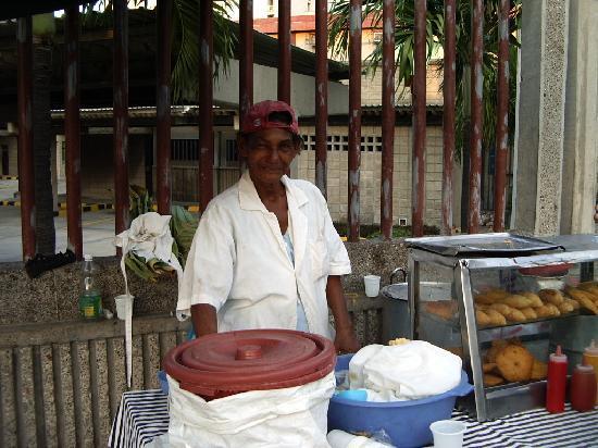 Barranquilla, Colombia: Délicieux les arepas...