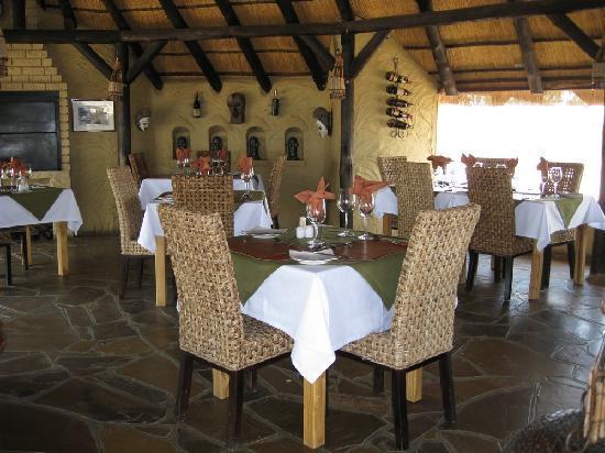 Amani Lodge: restaurant