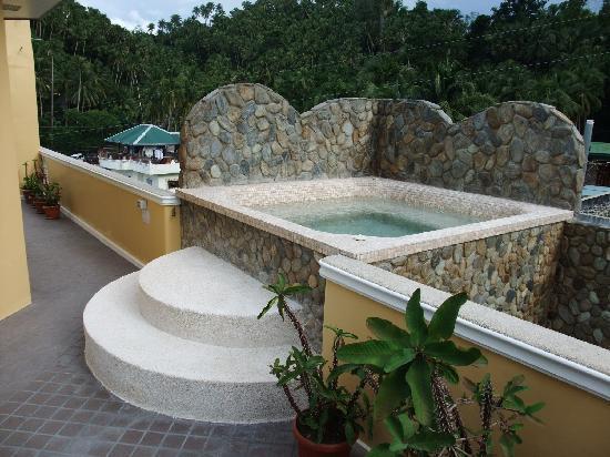 Mermaid Resort: ホテルのペントハウスのジャグジーです