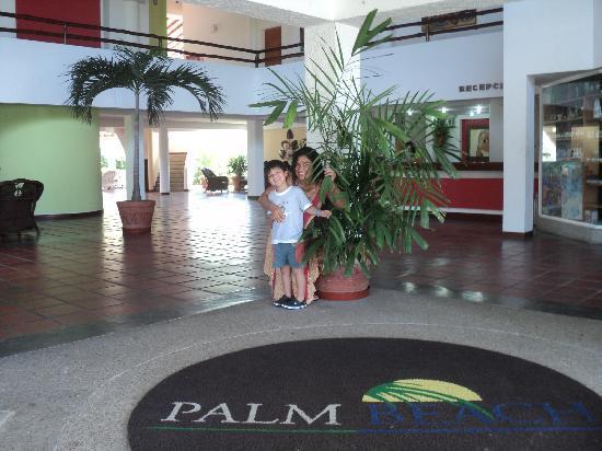Ld Plus Palm Beach Recepcion Del Hotel