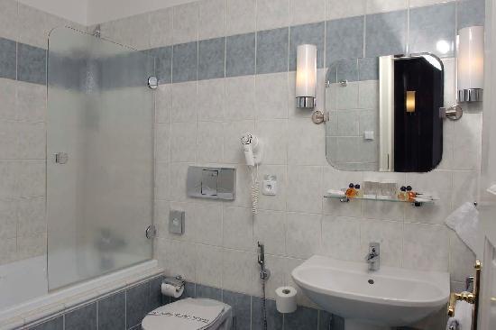 Hotel Pod Vezi: Hotel Pod Věží Bathroom