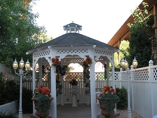 Shalimar Wedding Chapel : Gazebo View