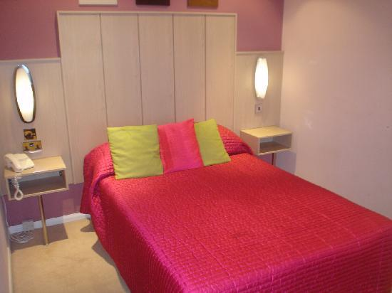 Tiffany's Hotel Blackpool: Suite bedroom