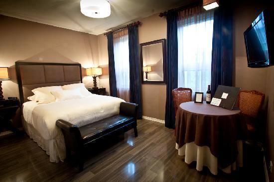 Nuits Saint-Pierre: chambre/room Lamartine