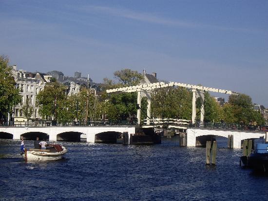 Un Pont Sur L 39 Amstel Photo De The Bridge Hotel