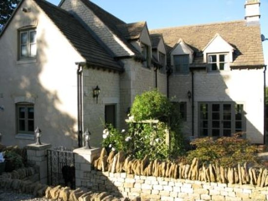 King's Stanley, UK: Millstone House on the Cotswold Way