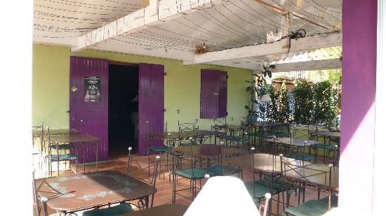 La Petite Auberge du Roussillon : Salle petits-déjeuners et diners