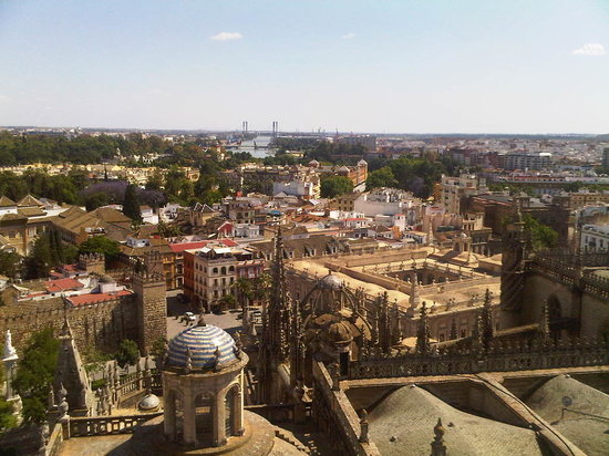 Sevilla, Spanje: View from the Giralda + Alcazares Reales