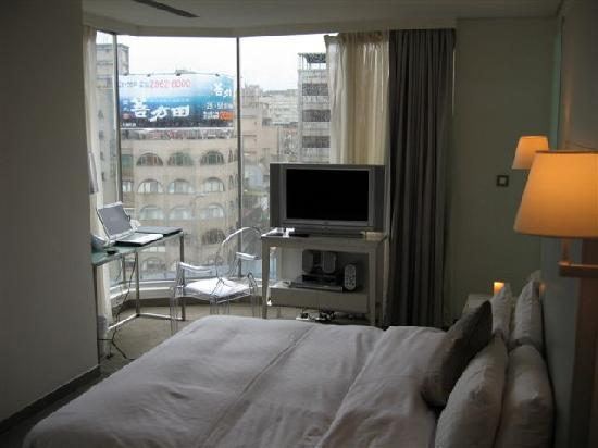 Ambience Hotel: corner room view - arrived during a typhoon unfortunately