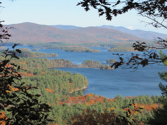 Squam Lakes Natural Science Center : The view from Mt Fayal