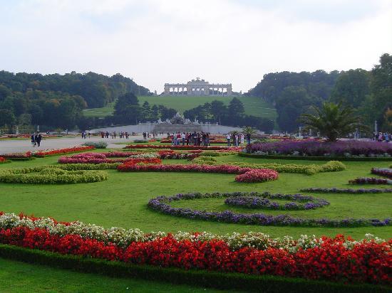 Wien, Itävalta: Schöbrunn Castle, Gardens