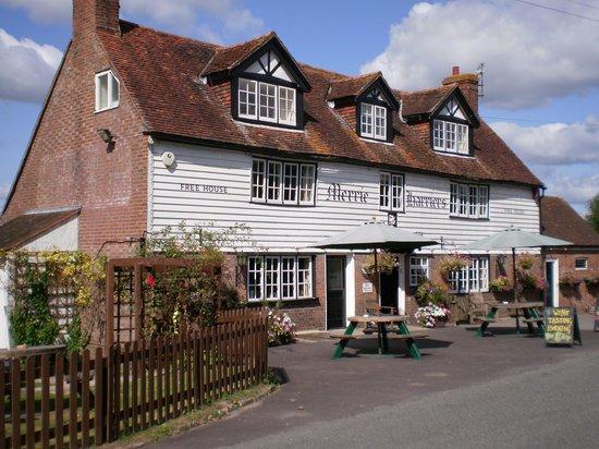 Hailsham, UK: Merrie Harriers Pub