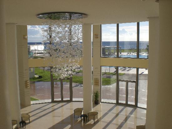 SENTIDO Apollo Blue: foyer