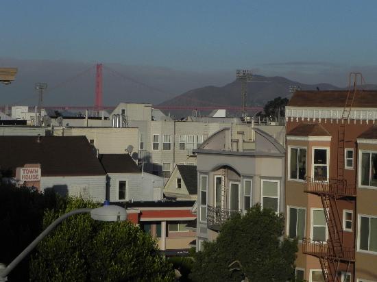 บูเอนาวิสตามอเตอร์อินน์: View from rooftop deck