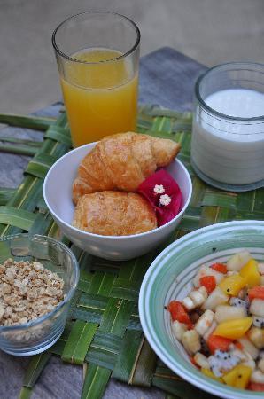 Hostel & Cabanas Ida y Vuelta Camping: Breakfast