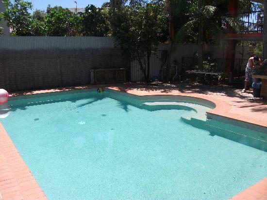 มูลูลาบา บีช แบคแพคเกอร์ส: pool