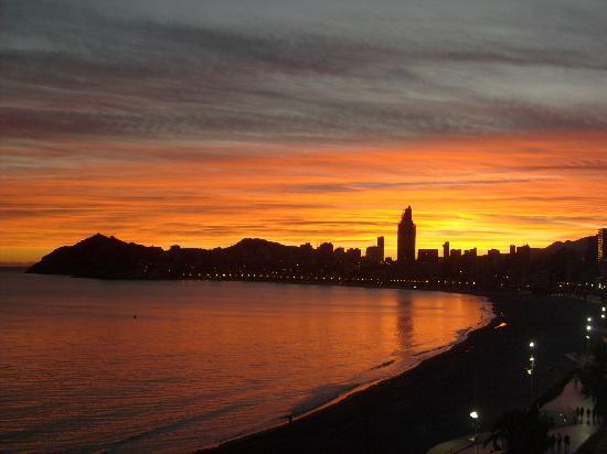 Villa Del Mar Hotel : sunset to bali
