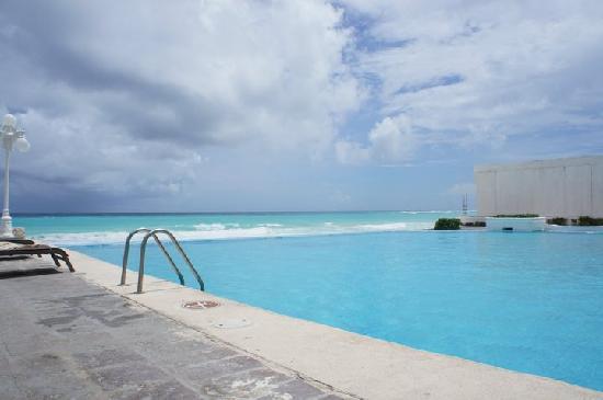 Bsea Cancun Plaza: このプールは良かったです