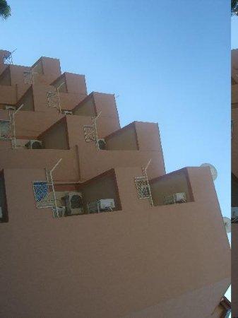 Lotus Hotel: building