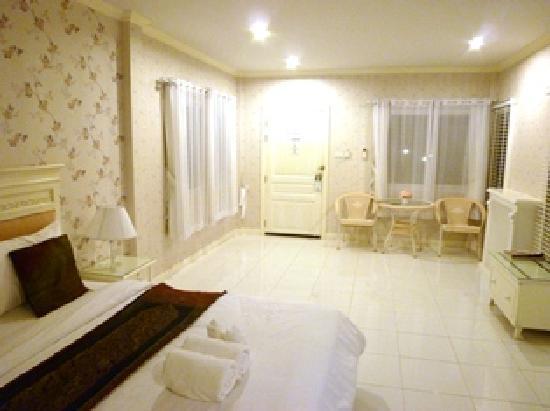 Amarin Resort: 部屋の雰囲気(デラックスルーム)