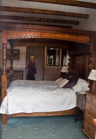 Shieldhall: four poster