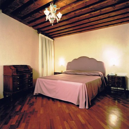 Hotel Piccola Fenice: double room