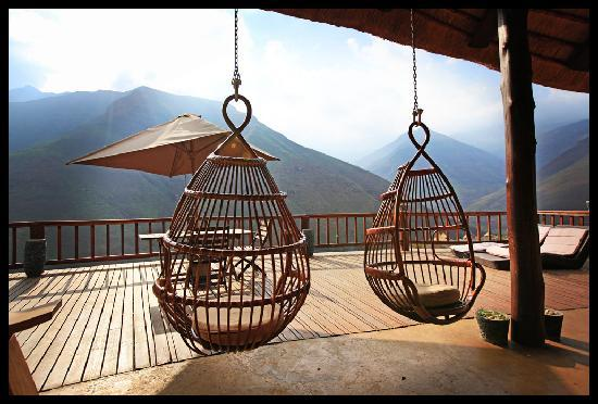 Maliba River Lodge: Relaxing swings